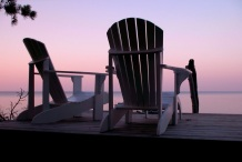 empty-chairs-and-sunset-1468289-1278x856